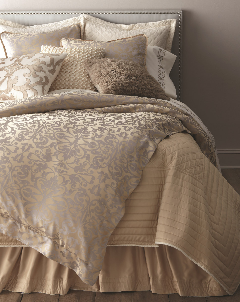 Lili Alessandra Jackie In Luxurious Silk/Tencel Fabric in Champagne with Silver Jacquard Duvet Cover