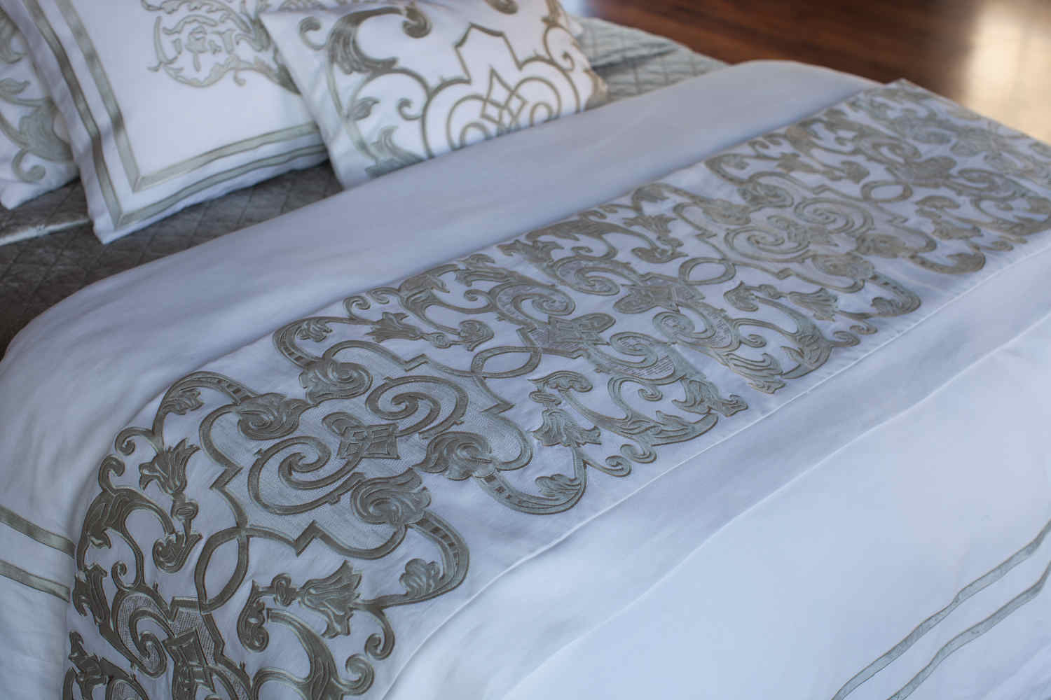Silver Decorative Bed Pillows : Lili Alessandra Mozart White Linen and Ice Silver Velvet Bed Throw and Pillows