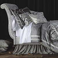 media/Lili_Alessandra/Versailles-Silver-Velvet-Ivory-Applique/022315/BED-2-L.jpg