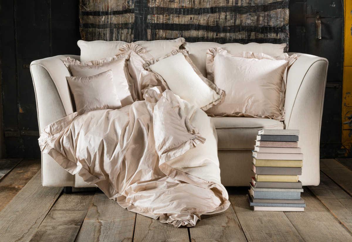Lulla Smith Browning Douillette/Duvet & Decorative Pillows.
