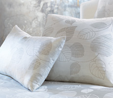 Nancy Koltes Autunno Bedding.