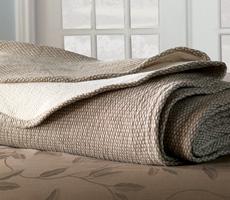 Nancy Koltes Flatiron Bedding
