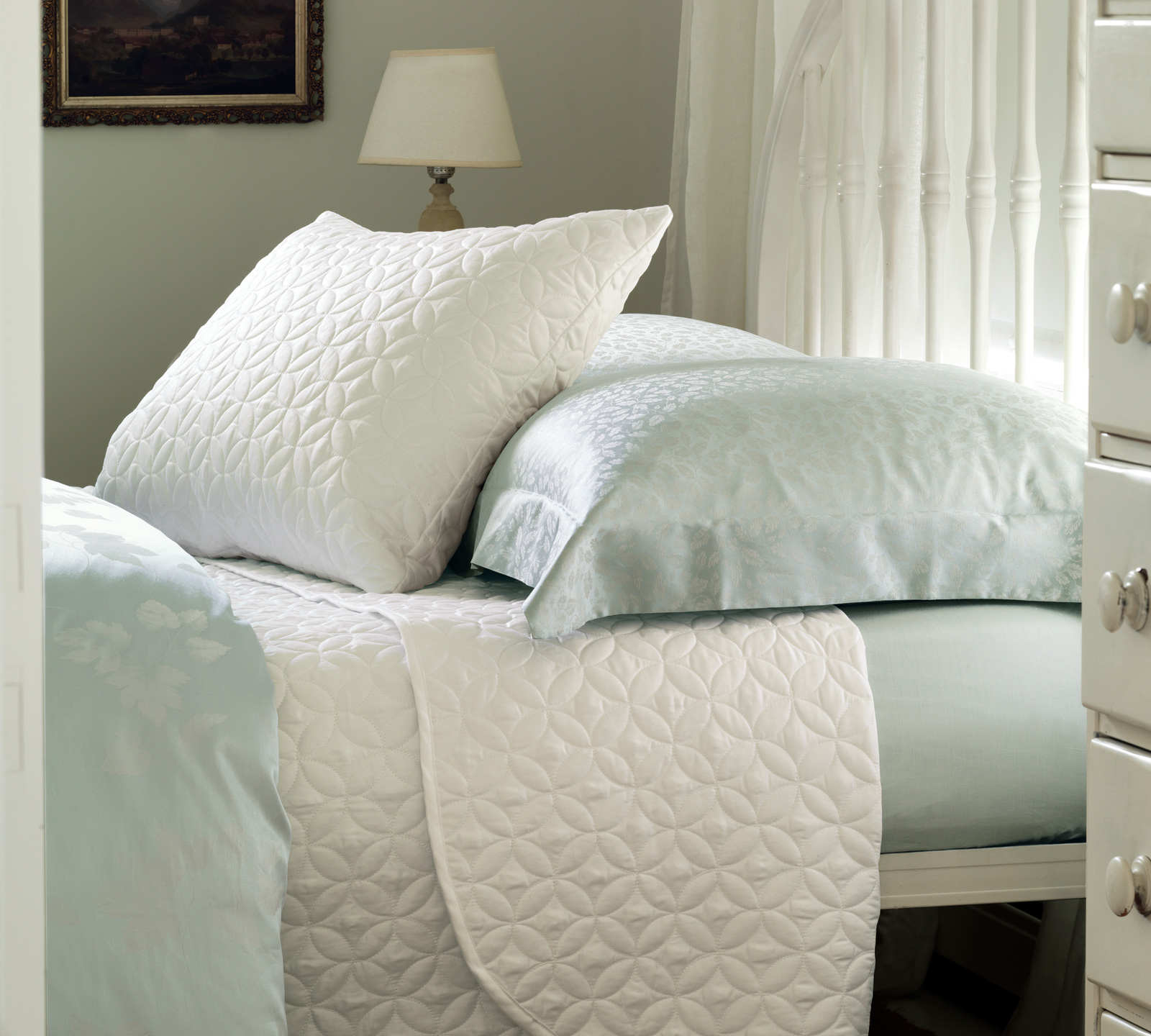 Nancy Koltes Savoy Bedding.