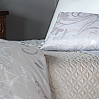 Nancy Koltes Sonata Bedding - a Fine yarn-dyed Jacquard fabric with 630 thread count.