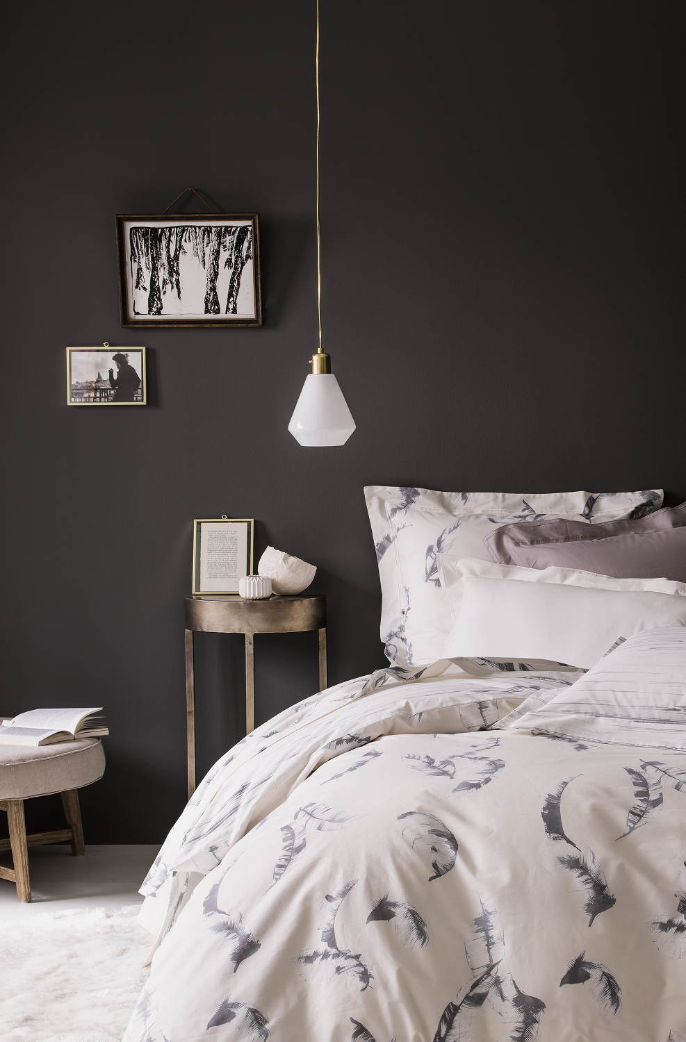 nina ricci maison vertige bedding. Black Bedroom Furniture Sets. Home Design Ideas