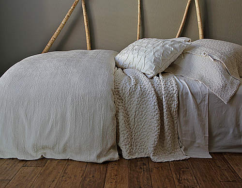 Purists Jazz Bedding is a Jacquard boutis.