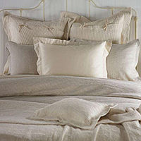 Made in Italy, all SDH bedding is creatively designed from all natural elements.