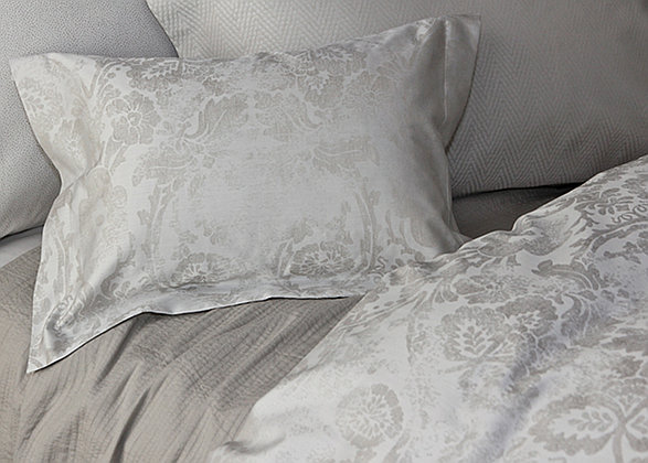 SDH Aden is a two color yarn dyed jacquard and is 100% Egyptian cotton.