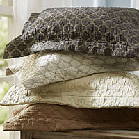 This exquisite SDH bedding is 4 - color yarn dyed Jacquard boutis.