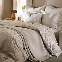 SDH Bali 100% Egyptian cotton jacquard bedding is available in three colors.