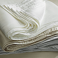 SDH's silken Legna has reached new heights with their luxurious quilt.