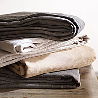 SDH Recco Bedding & Table Linens is made with 55% Egyptian Cotton / 45% Linen.