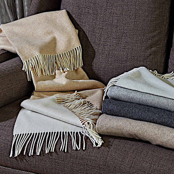 Inspired by the trends of fashion, Dolomiti Throws by Signoria is the ideal accessory.