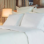 Signoria Firenze Gemma bedding embodies the freshness and the comfort of percale cotton.