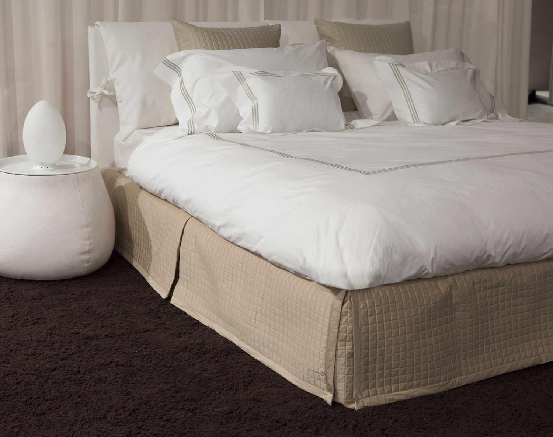 Signoria Masaccio Bedding : quilted bedskirt - Adamdwight.com