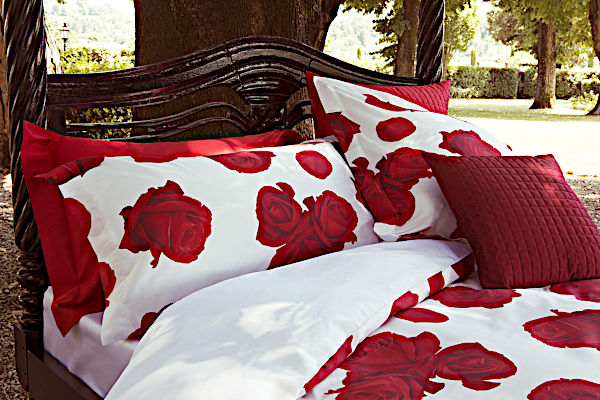 Signoria Bedding - Rosa Collection in White/Red color.