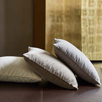 These 100% cotton velvet decorative pillow shams are a synonym for elegance and sophistication.