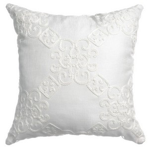 Softline Home Fashions Larissa Decorative Pillow in White color.