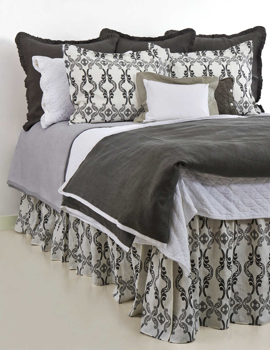 Discontinued Traditions Linens Bedding Carlyle Collection