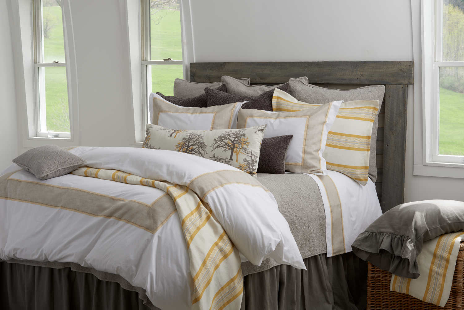 Discontinued traditions linens bedding country house for The country home collection