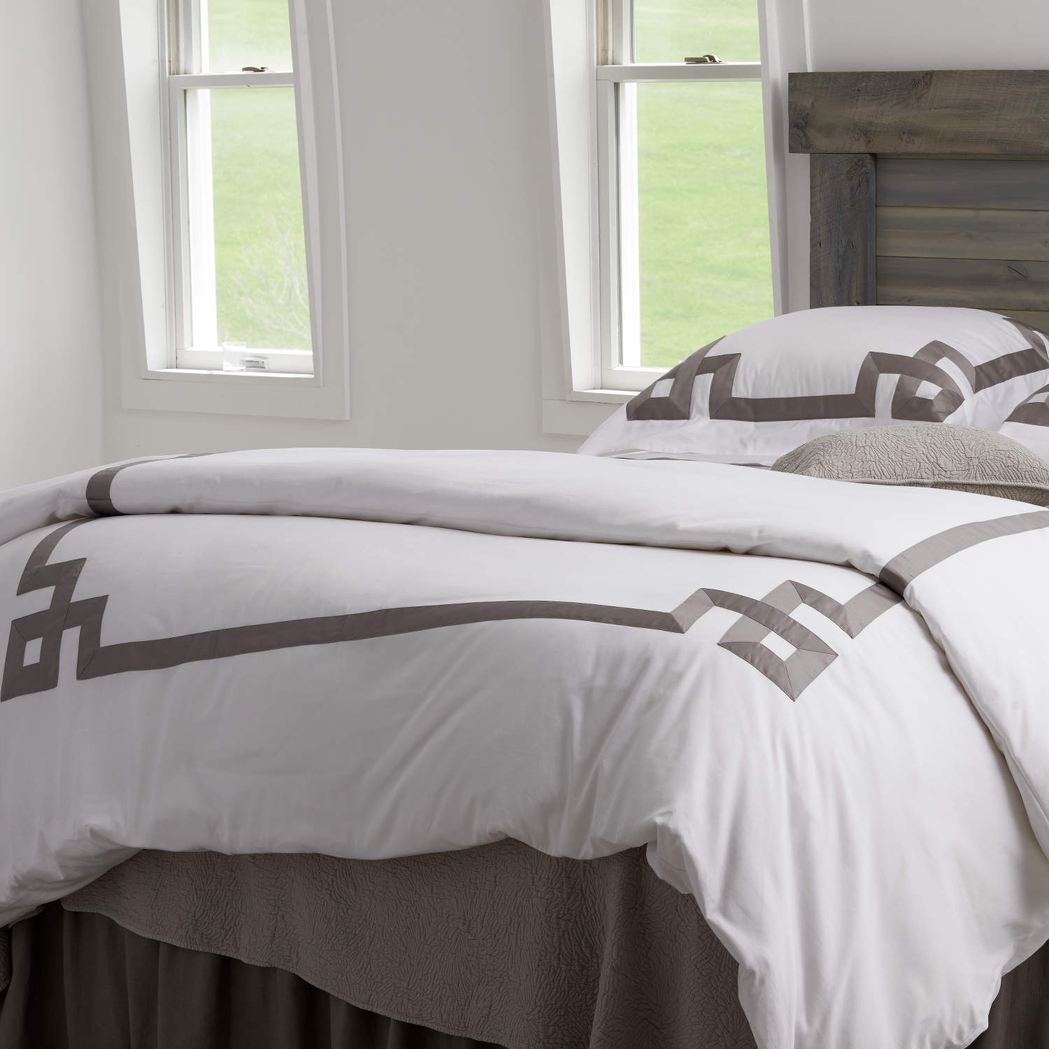Traditions Linens Bedding Milano Collection