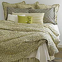 This gorgeous Valetto is printed on a cotton linen blend and dressed with Traditions Linens's lovely Couture coverlet.